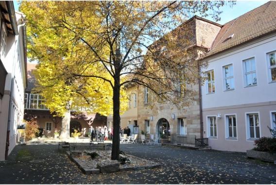Egloffstein-Innenhof-Foto-Ismaier-Sabine-2010